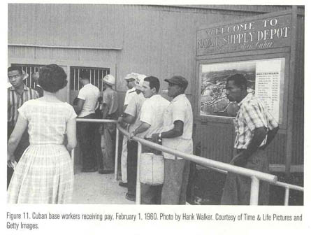 JL Cuban_workers_getting_paid_1960